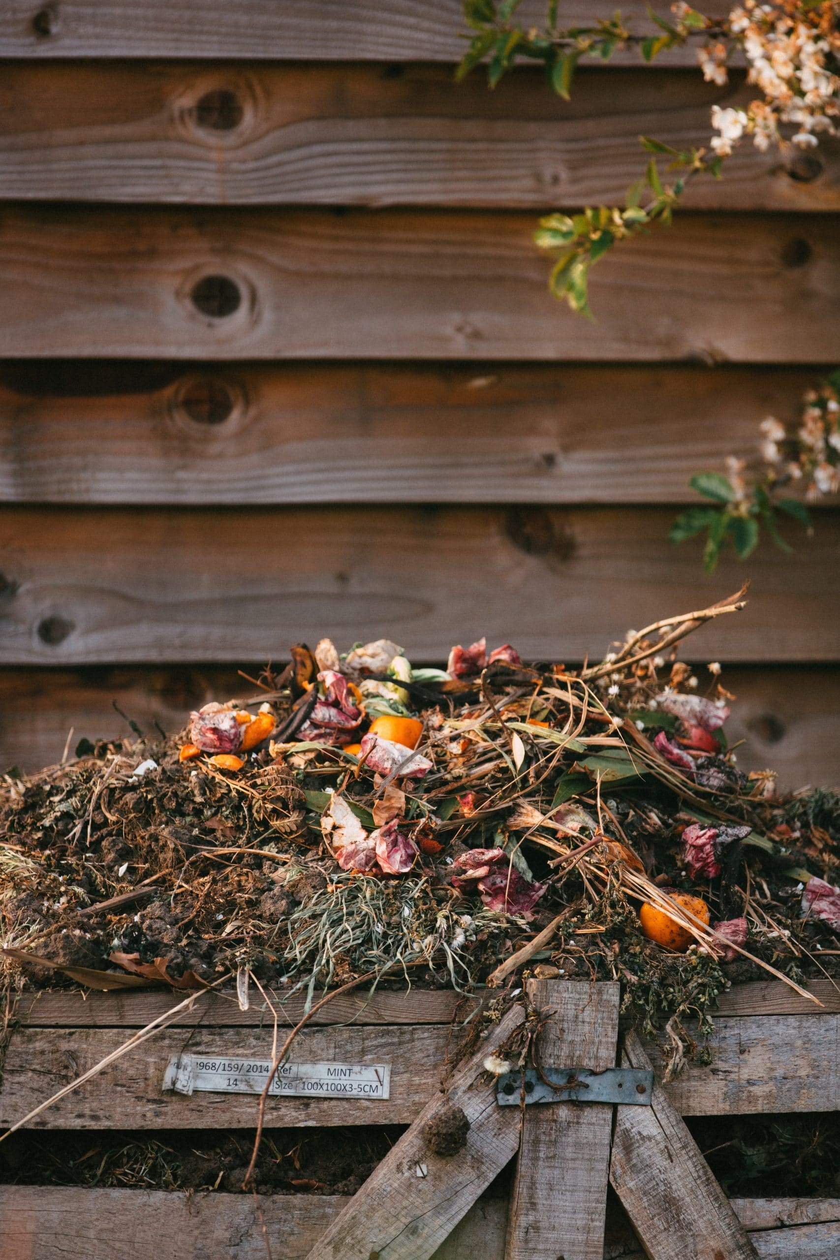 Melcourt composting tips
